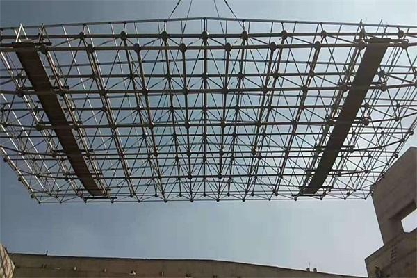 河间十四中焊接球网架
